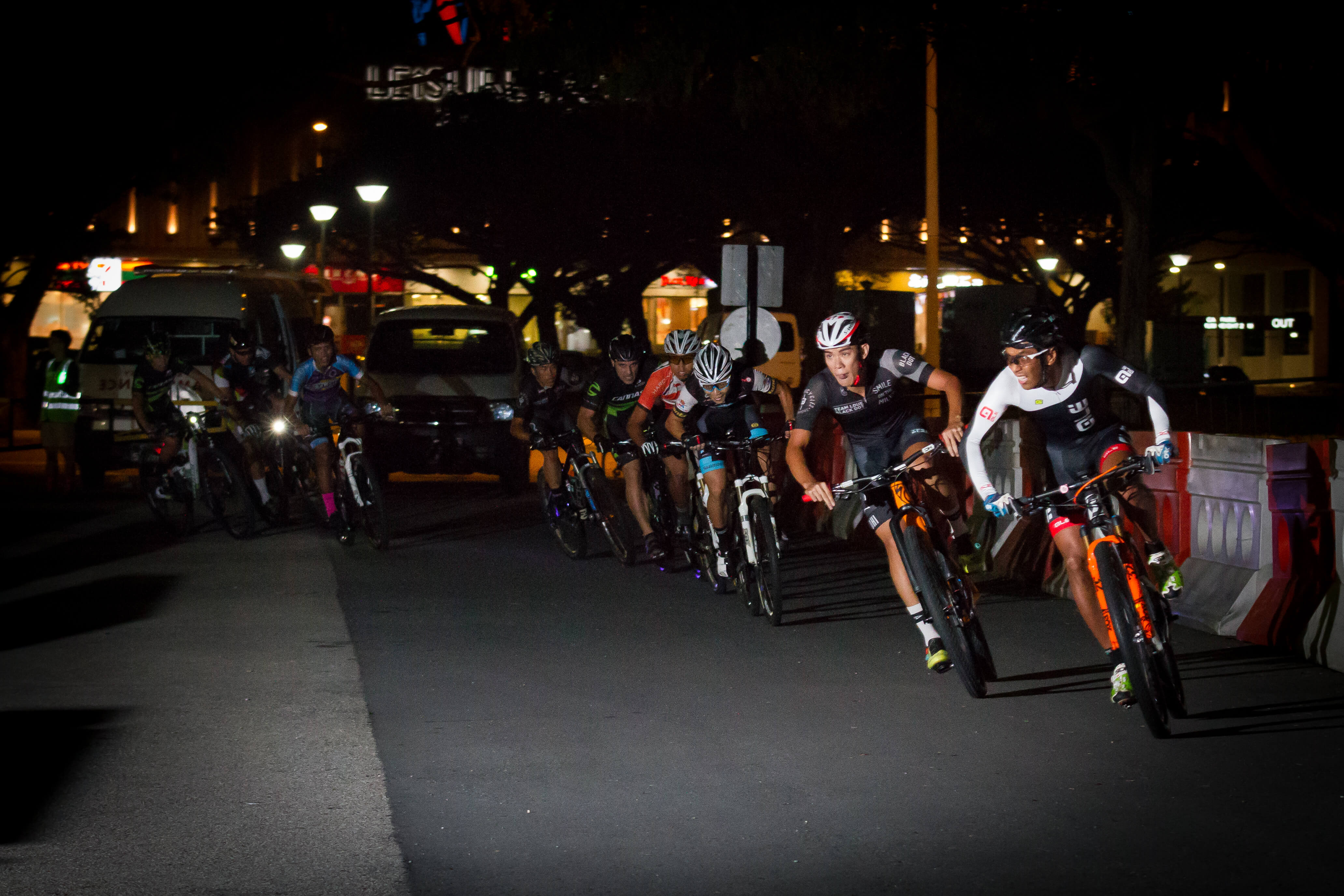 HolyCrit – Photo Special – Gallery – Singapore Cycling- Rhys Cheng